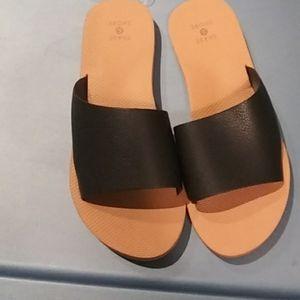 Shade & Shore Womans Slip on Sandal